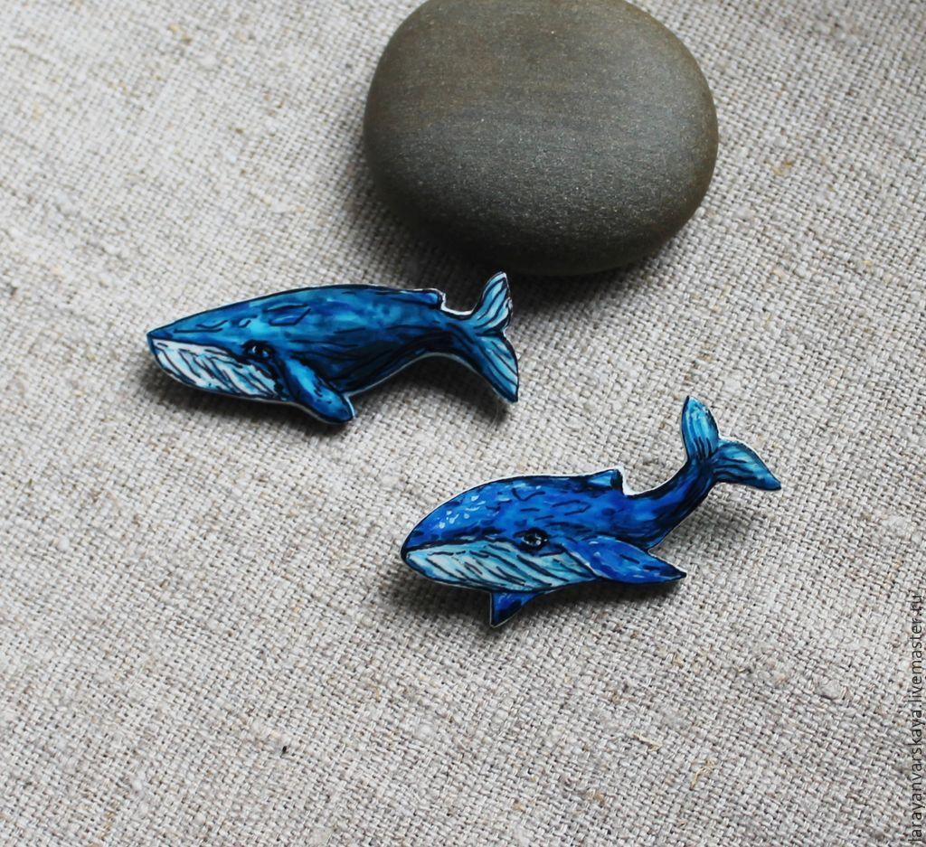 Брошь кит