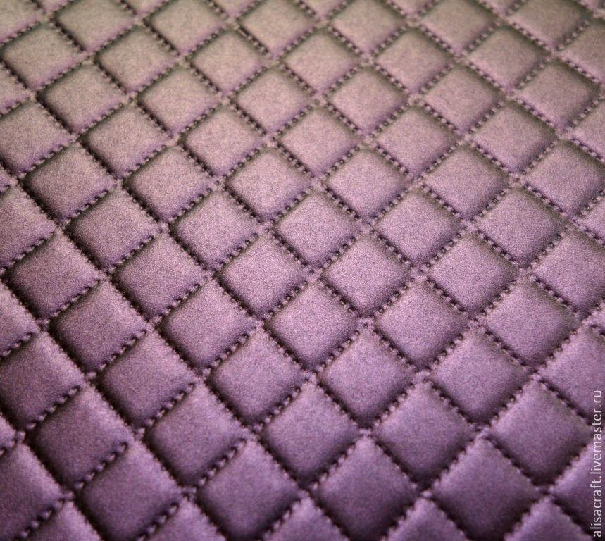 Пурпурная перламутровая бумага, меняющая свой цвет - `Пурпурный хамелеон` Цена за формат 30х30 см = 35 руб. На фото - пример качества тиснения и виден плавный переход цвета