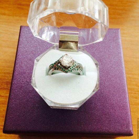 """Кольца ручной работы. Ярмарка Мастеров - ручная работа. Купить Серебряное кольцо с белым топазом и натуральным изумрудом """"Роскошь"""". Handmade."""