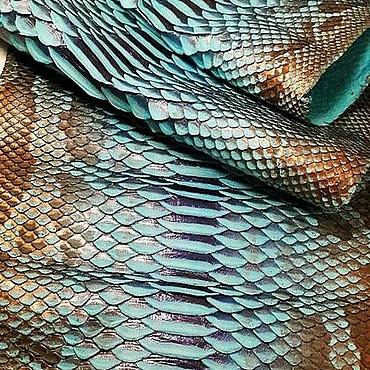 Материалы для творчества ручной работы. Ярмарка Мастеров - ручная работа Кожа питона голубо-синяя с бронзовым узором металлик 3д. Handmade.