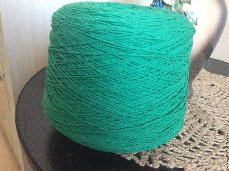 Катушки ниток для вязания