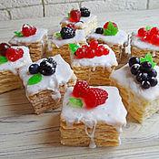 Косметика ручной работы. Ярмарка Мастеров - ручная работа Наполеон с ягодками мыло подарочное. Handmade.