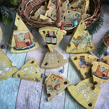 Сувениры и подарки ручной работы. Ярмарка Мастеров - ручная работа Подвески Сырные мышиные) Подвески на ёлку декупаж. Handmade.