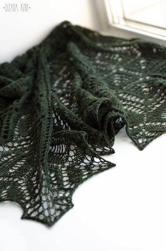 Шали, палантины ручной работы. Ярмарка Мастеров - ручная работа. Купить Темно-зеленая шаль из 100% шерсти. Handmade.