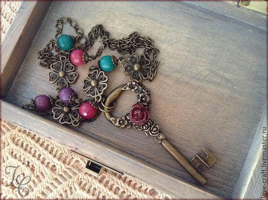 """Кулоны, подвески ручной работы. Ярмарка Мастеров - ручная работа. Купить подвеска """"Ключ от сада"""". Handmade. Бордовый, женственность, сливовый"""