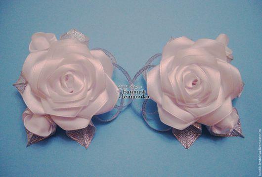"""Детская бижутерия ручной работы. Ярмарка Мастеров - ручная работа. Купить Комплект резинок """"Букет белых роз"""". Handmade. Белый"""