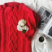 Одежда ручной работы. Ярмарка Мастеров - ручная работа Свитер с узорами из кос красный. Handmade.