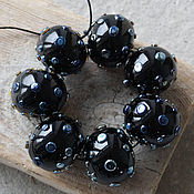 Комплект 7 полых бусин черные-звездные