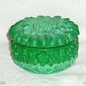 Винтаж handmade. Livemaster - original item Box. Colored MALACHITE, GREEN glass. CZECHOSLOVAKIA. Handmade.