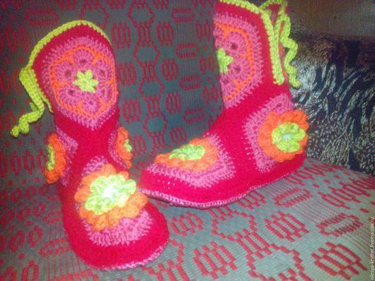 Обувь ручной работы. Ярмарка Мастеров - ручная работа. Купить Домашние сапожки. Handmade. Теплые тапочки, комбинированный, разноцветные веселые