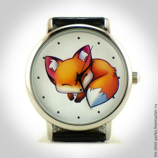 Часы наручные `Спящая лисичка`. Необычные наручные часы ручной работы.