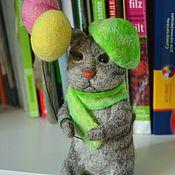 Куклы и игрушки handmade. Livemaster - original item felt toy: Spring cat with balls. Handmade.