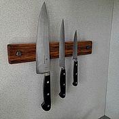 Для дома и интерьера ручной работы. Ярмарка Мастеров - ручная работа Кухонный магнитный держатель для ножей из старой доски. Handmade.