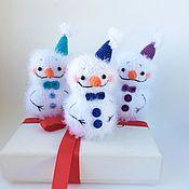 Снеговики ручной работы. Ярмарка Мастеров - ручная работа Снеговик новогодний. Новогодний подарок 2020. Игрушка снеговик. Handmade.