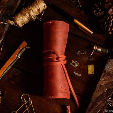 Канцелярские товары ручной работы. Ярмарка Мастеров - ручная работа Большой кожаный пенал для ручек карандашей и маркеров цвет Коньяк. Handmade.