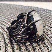 Кольца ручной работы. Ярмарка Мастеров - ручная работа Кольцо с лунным камнем в серебре. Handmade.