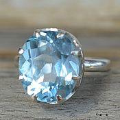 Кольцо с голубым топазом, серебро