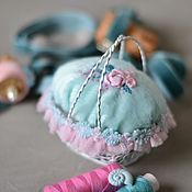 Подарки к праздникам ручной работы. Ярмарка Мастеров - ручная работа Игольница  корзиночка. Handmade.
