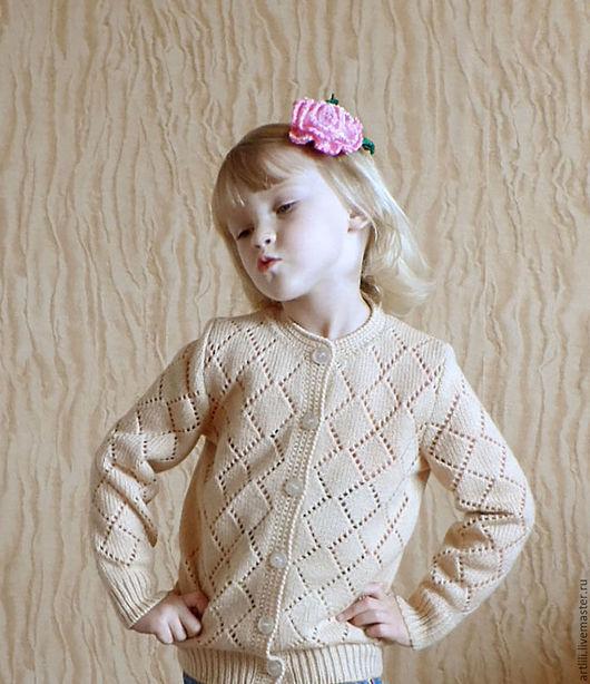 """Одежда для девочек, ручной работы. Ярмарка Мастеров - ручная работа. Купить Вязаная детская кофта на пуговицах  """"Кокетка"""". Handmade. Бежевый"""