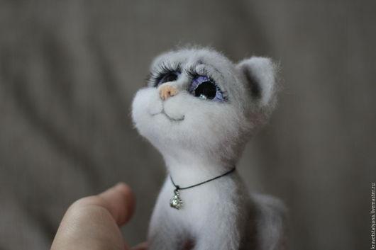 Игрушки животные, ручной работы. Ярмарка Мастеров - ручная работа. Купить Авторская войлочная игрушка котенок Степка:). Handmade. Серый