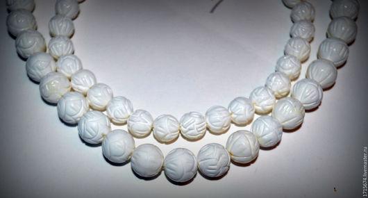 Для украшений ручной работы. Ярмарка Мастеров - ручная работа. Купить Коралл - белый, резной 10 , 12мм. Handmade. Белый