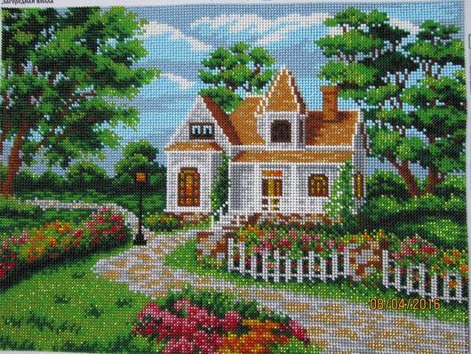 Пейзаж ручной работы. Ярмарка Мастеров - ручная работа. Купить Картина вышитая бисером Загородная вилла. Handmade. Зеленый