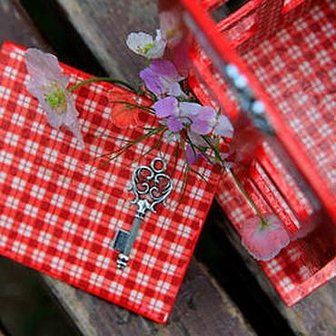 """Для дома и интерьера ручной работы. Ярмарка Мастеров - ручная работа Чайный домик """"Ключи от Тауэра"""" телефонная будка для кухни. Handmade."""