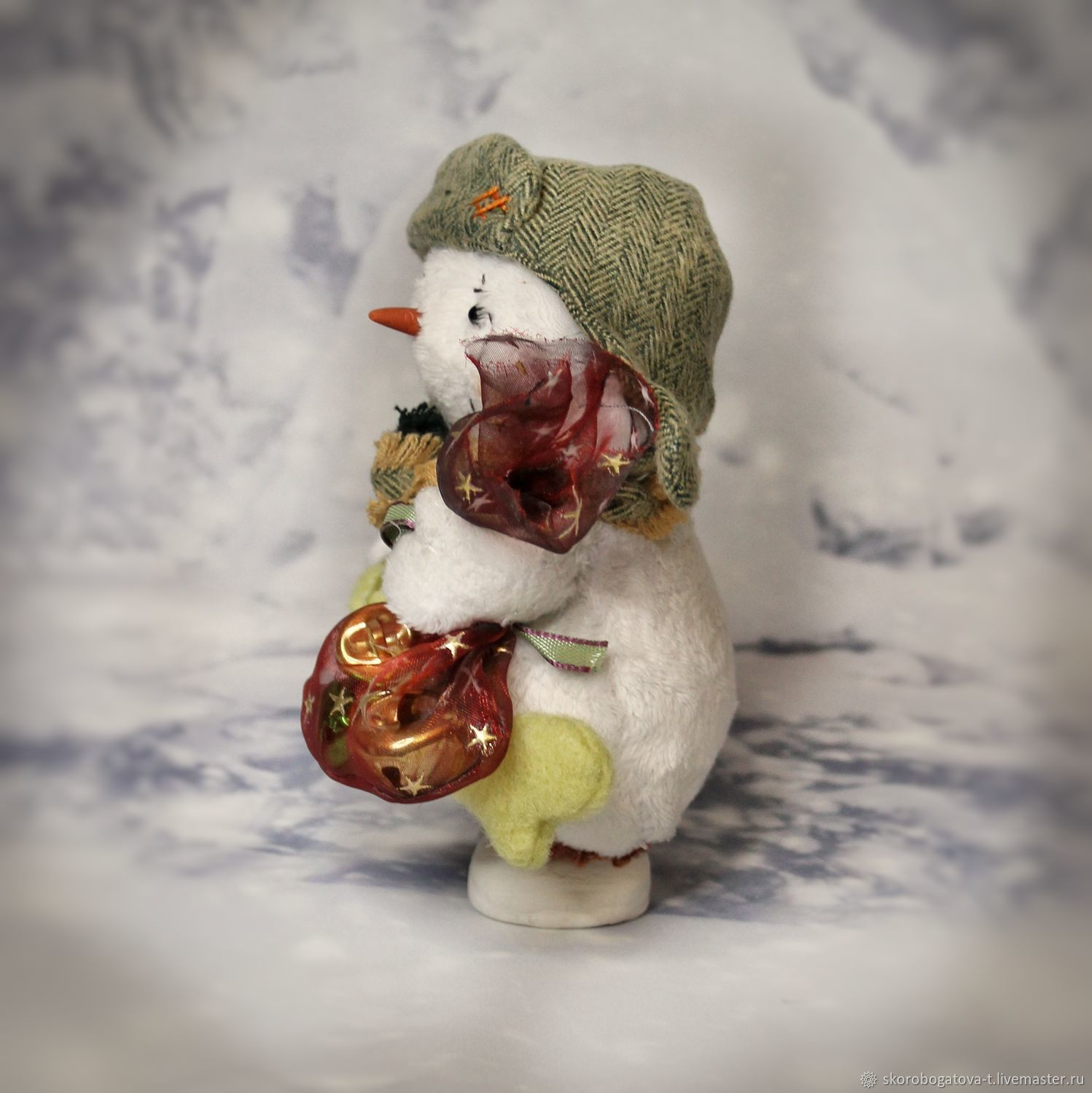 Snowman in a hat with earflaps a small Christmas gift, Teddy Toys, Odintsovo,  Фото №1