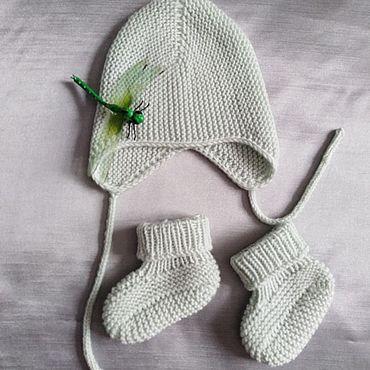 Одежда ручной работы. Ярмарка Мастеров - ручная работа Вязаные шапочка и пинетки для новорожденного. Handmade.