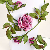 Украшения handmade. Livemaster - original item Flowers leather Tea rose jewelry set necklace and bracelet. Handmade.