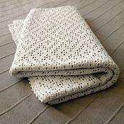 Для дома и интерьера ручной работы. Ярмарка Мастеров - ручная работа Небольшое вязаное покрывало. Handmade.