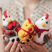 Куклы и игрушки handmade. Livemaster - original item Red plush Rooster Family, Hen & Chiken family, knitted rooster toy. Handmade.