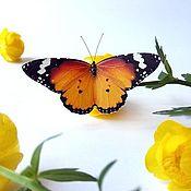Брошь-булавка ручной работы. Ярмарка Мастеров - ручная работа Брошь / Брошь Бабочка / Брошь из шелка / Оранжевая бабочка. Handmade.