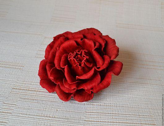 Броши ручной работы. Ярмарка Мастеров - ручная работа. Купить Брошь - роза алая из натуральной кожи. Handmade. Ярко-красный