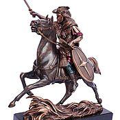 Подарки к праздникам ручной работы. Ярмарка Мастеров - ручная работа Статуэтка Римский воин (скульптура из бронзы) всадник. Handmade.