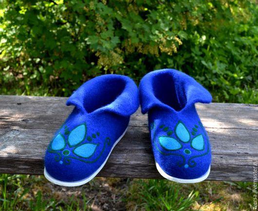 Обувь ручной работы. Ярмарка Мастеров - ручная работа. Купить Тапочки валяные Весняночка. Handmade. Тёмно-синий, чуни