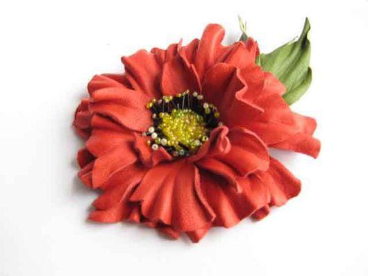 цветы из кожи брошь заколка красный мак, ободок для волос с цветком, кожаный ободок с маком, красный мак брошь из кожи, заколка для волос кожаный красный  мак,украшение из кожи брошь заколка мак