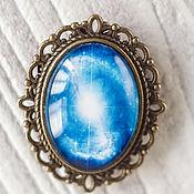 Украшения ручной работы. Ярмарка Мастеров - ручная работа Брошь овальная боло на блузку-звездный голубой вихрь-синий космос небо. Handmade.