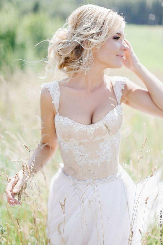 Одежда и аксессуары ручной работы. Ярмарка Мастеров - ручная работа. Купить Свадебное платье с расшитым корсетом. Handmade. Бежевый, сатин