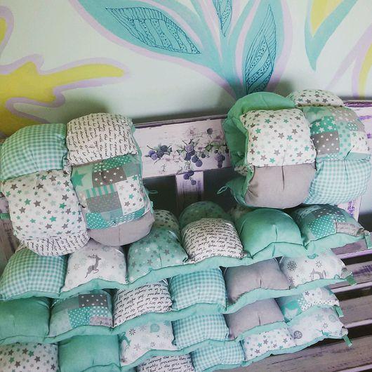 Детская ручной работы. Ярмарка Мастеров - ручная работа. Купить Бортики-бомбон для детской кроватки подарок новорождённым. Handmade.