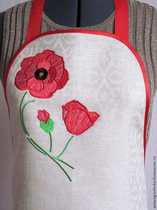Фартук для кухни с вышивкой  МАКИ - прекрасный подарок на 8 Марта, День рождения, на любой случай.