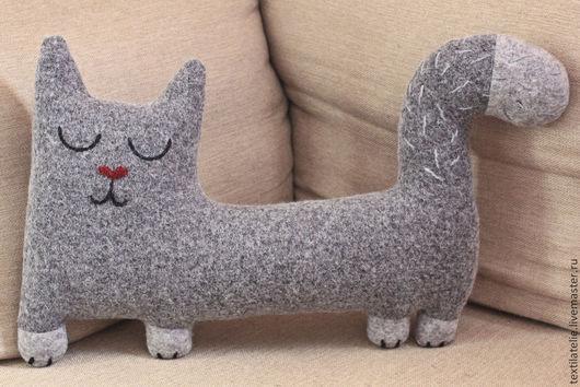 Детская ручной работы. Ярмарка Мастеров - ручная работа. Купить Интерьерная мягкая игрушка Сонный кот. Handmade. Серый, обнимашка