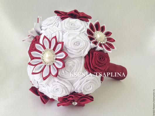 Свадебные цветы ручной работы. Ярмарка Мастеров - ручная работа. Купить Брошь букет дублер из бордового и белого цвета. Handmade.