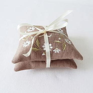 """Сувениры и подарки ручной работы. Ярмарка Мастеров - ручная работа Саше-подушечка с вышивкой """"Лидия"""". Handmade."""
