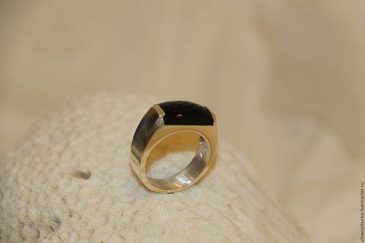 Украшения для мужчин, ручной работы. Ярмарка Мастеров - ручная работа. Купить Перстень с ониксом. Handmade. Серебро 925 пробы, позолота