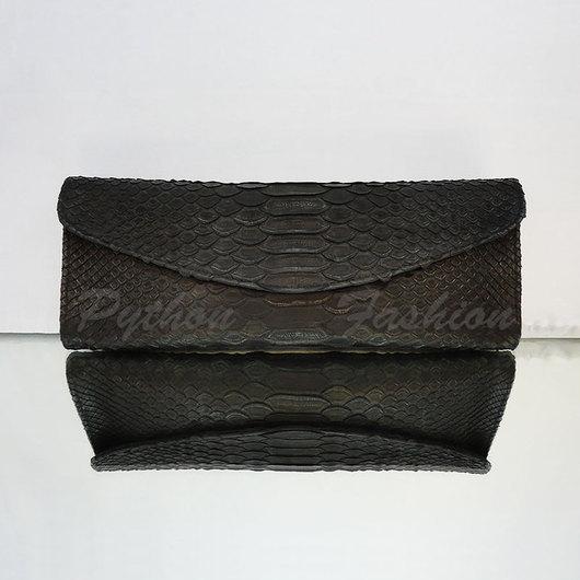 Вечерний клатч из натуральной кожи питона. Дизайнерский клатч ручной работы, стильный аксессуар для фотосессий. Театральный клатч, новинка сезона, коллекция модная осень. Красивый черный клатч.