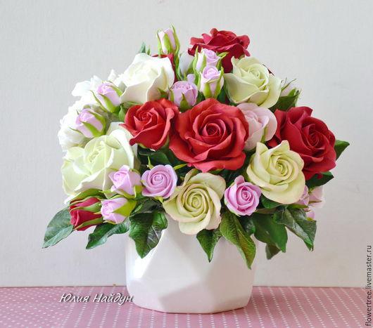 Интерьерные композиции ручной работы. Ярмарка Мастеров - ручная работа. Купить Композиция с розами из полимерной глины в керамической вазе. Handmade.