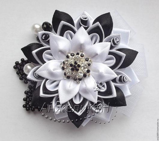 """Броши ручной работы. Ярмарка Мастеров - ручная работа. Купить Брошь цветок """"Бело-черное 2"""". Handmade. Чёрно-белый"""