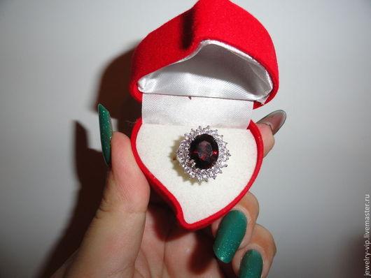 Кольца ручной работы. Ярмарка Мастеров - ручная работа. Купить Элегантное кольцо Дворянка - натуральный крупный гранат. Handmade.