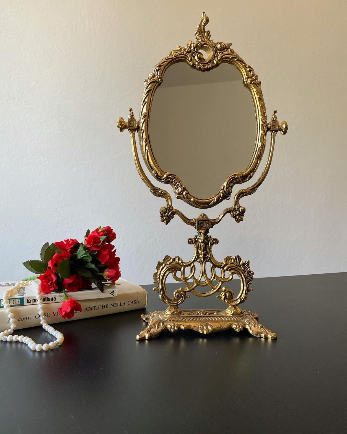 Antique mirror. Italy, Vintage interior, Pisa,  Фото №1